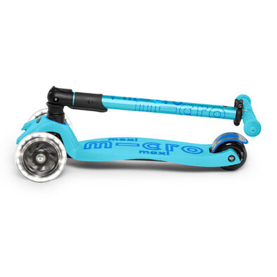 Micro Mobility Maxi Micro Deluxe Foldable Led Blue