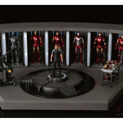 Marvel 1:35 Scale Model Tony Stark's Laboratory